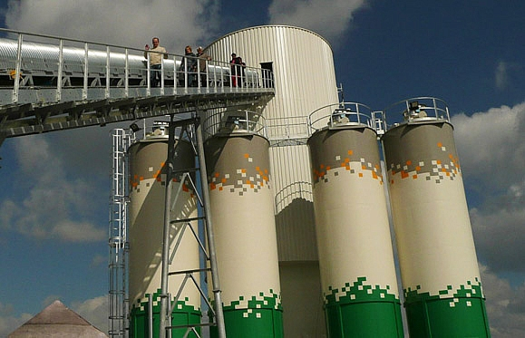 Supply of concrete mixtures